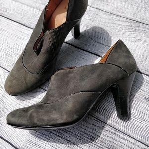 Sofft Grey and Black Suede Heels